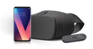 LG V30 and Daydream View